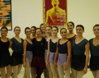 VIDEO – A lezione con la Maestra Caprara: iniziato il percorso formativo del Balletto del Salento con maestri e ballerini d'eccezione