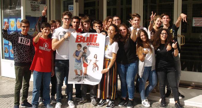 """Il regista 16enne Davide Mogna a Lecce per visionare il suo film """"Bulli a metà"""" con i ragazzi di Mabasta"""
