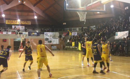 Lupa Lecce – Monteroni all'ultimo respiro con Sirena superstar. Derby ai giallorossi