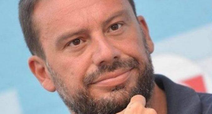 """Francesco Nicodemo presenta Disinformazia per """"Votarti m'affatica"""" a Lecce"""