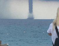 Tromba d'aria a San Foca: tutti ad immortalare lo spettacolo della natura in alto mare